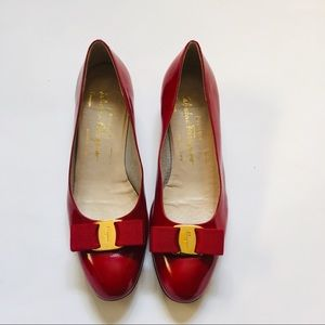 Salvatore Ferragamo Vara Patent Red Shoe Pump Sz 8